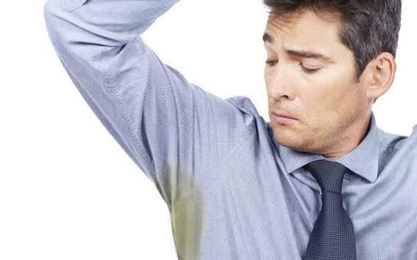 Cách tẩy vết ố vàng trên nách áo