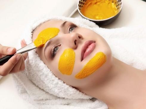 Tinh bột nghệ giúp cải thiện sắc tố da