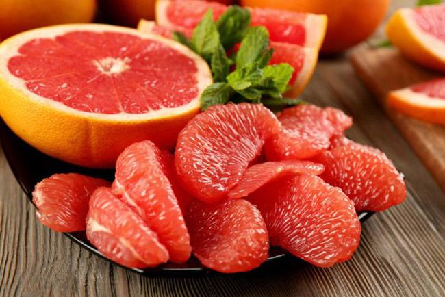 Bưởi - loại trái cây trị mụn cực hay.