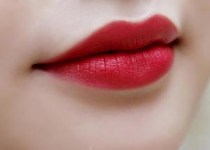 son sáp Charme Velvet Lipstick đỏ tươi